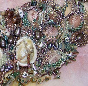 close-up view of free-form peyote stitch