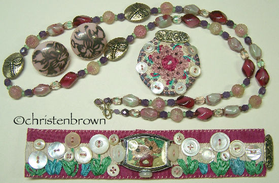 summer jewels, vintage beads, mother of pearl buttons, necklace, bracelet, brooch